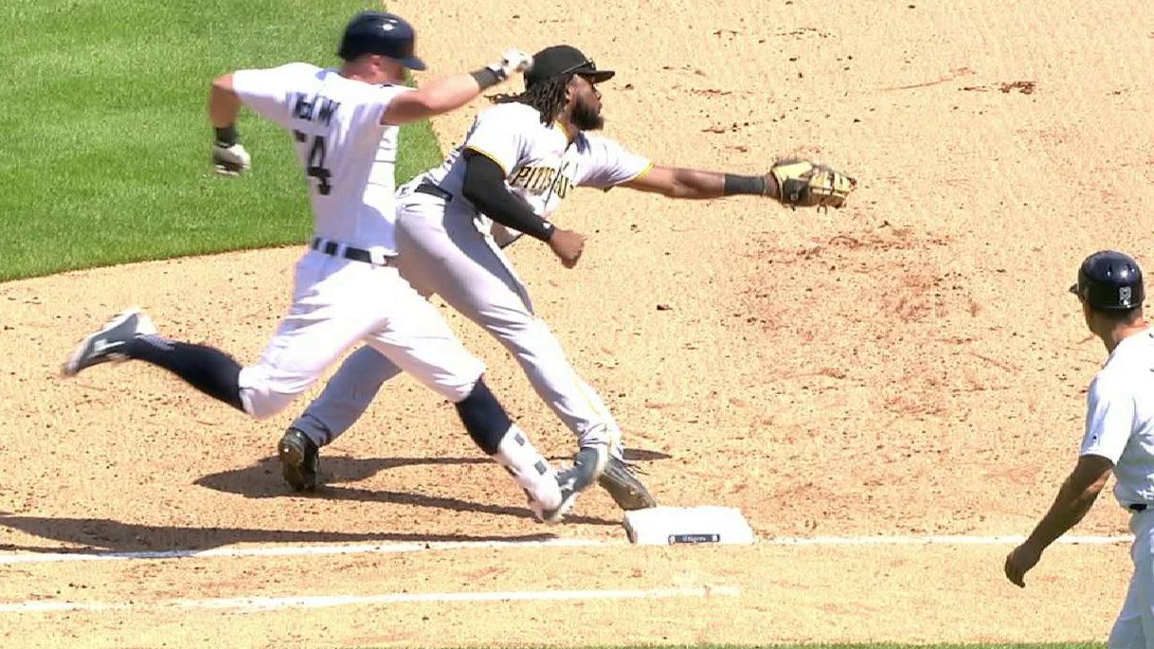 Rodriguez throws out McCann