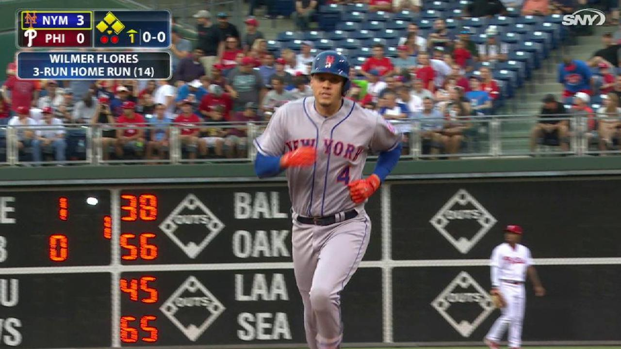 Flores' three-run shot to center
