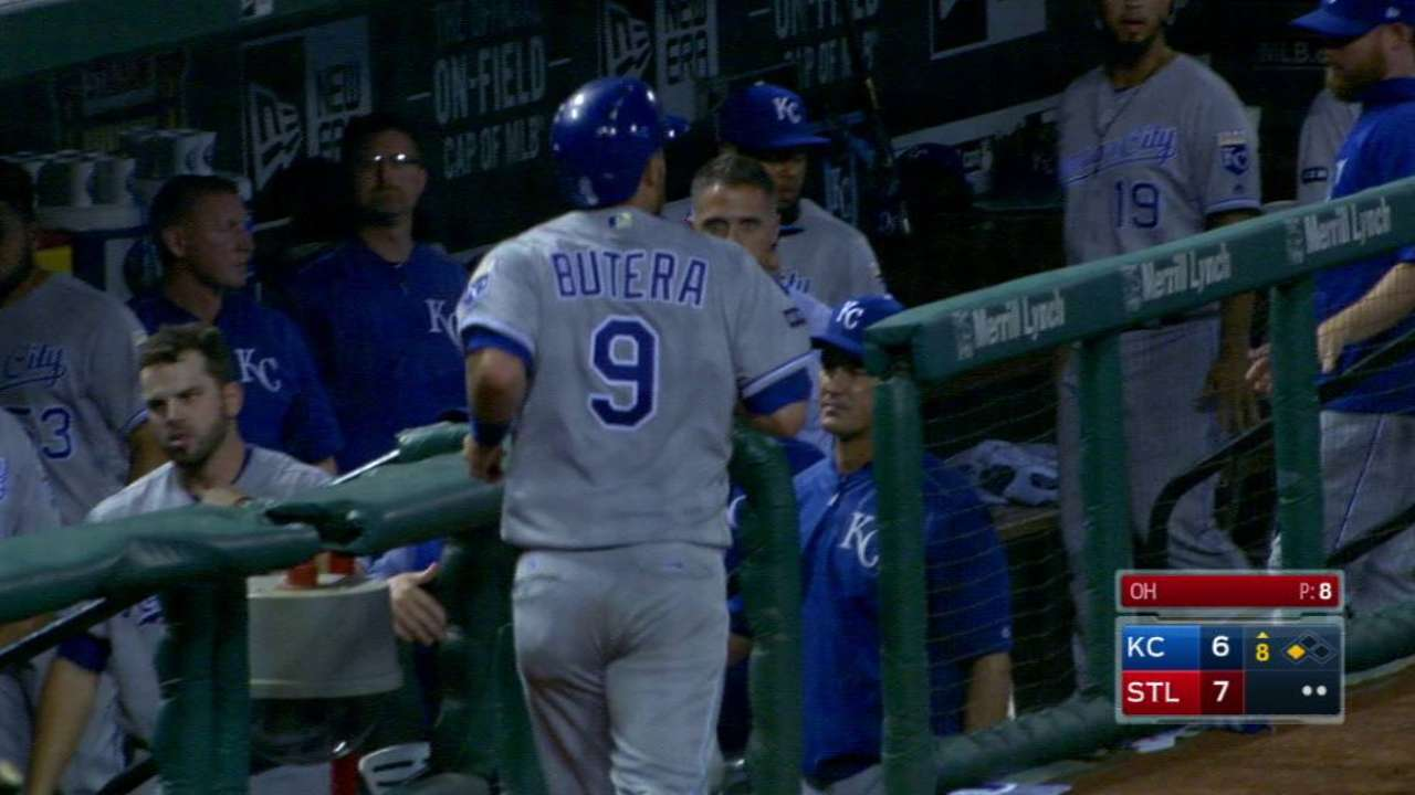 Royals relinquish early lead, can't cap late rally