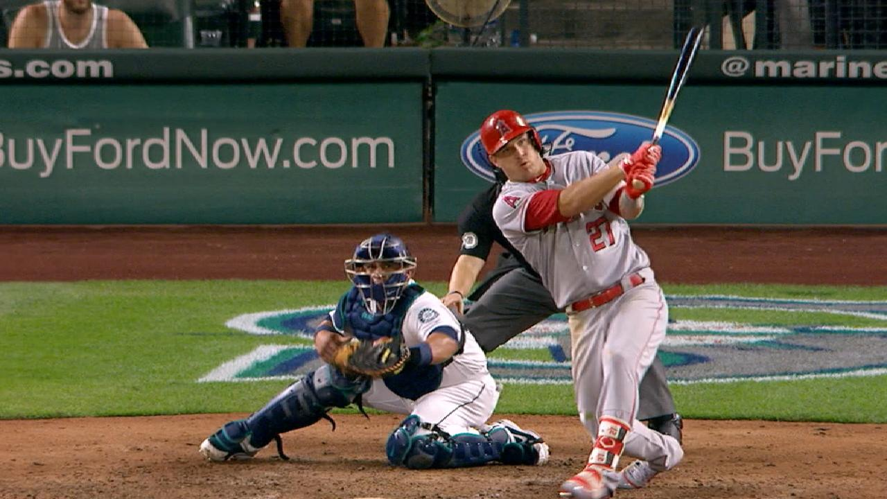 Trout's 9th-inning 2B boosts Halos in WC chase