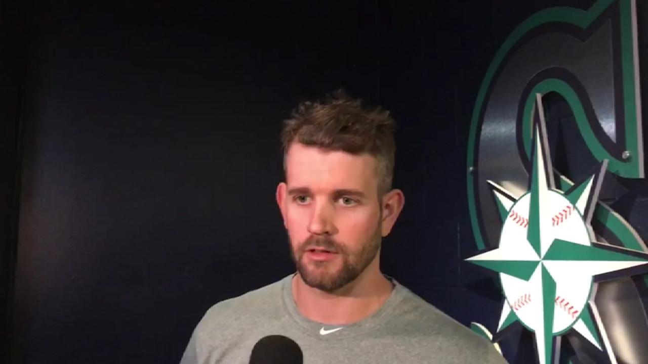 Paxton placed on DL with left pectoral strain