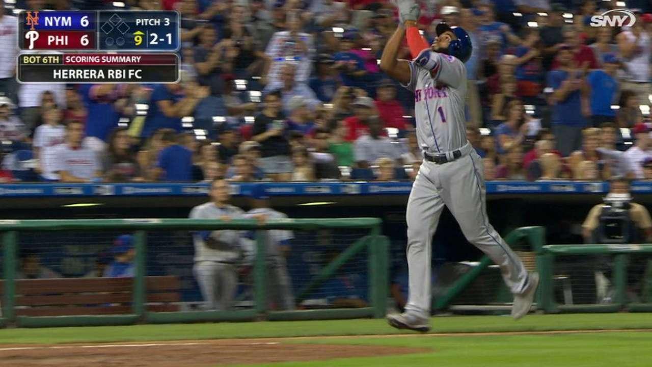 Mets superan a Filis con jonrones de Céspedes, Rosario