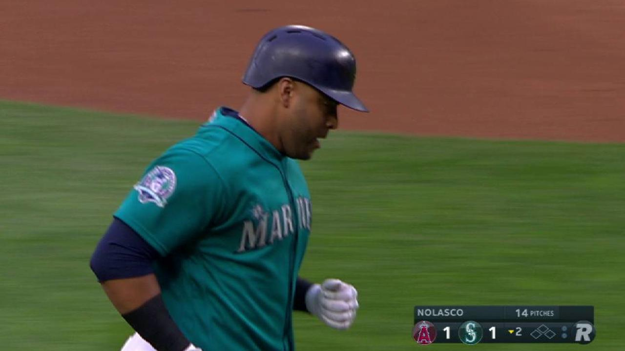 More hot August nights for Mariners' Cruz