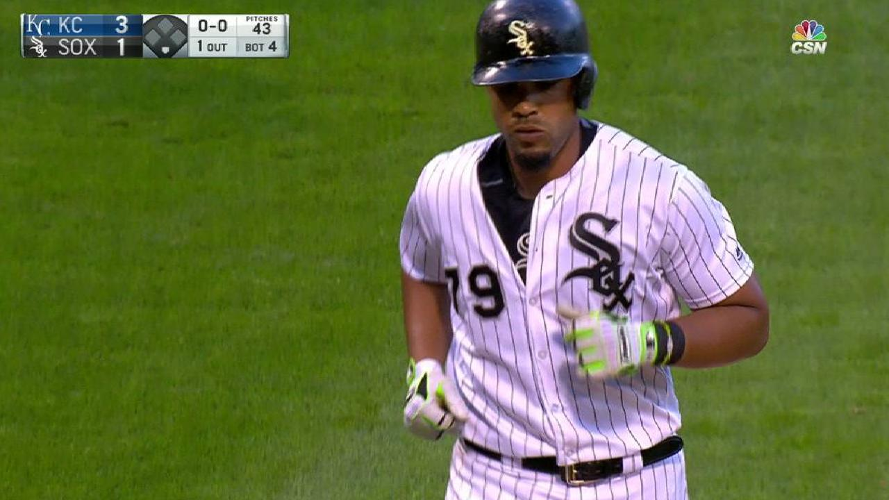 Abreu makes White Sox history with homers
