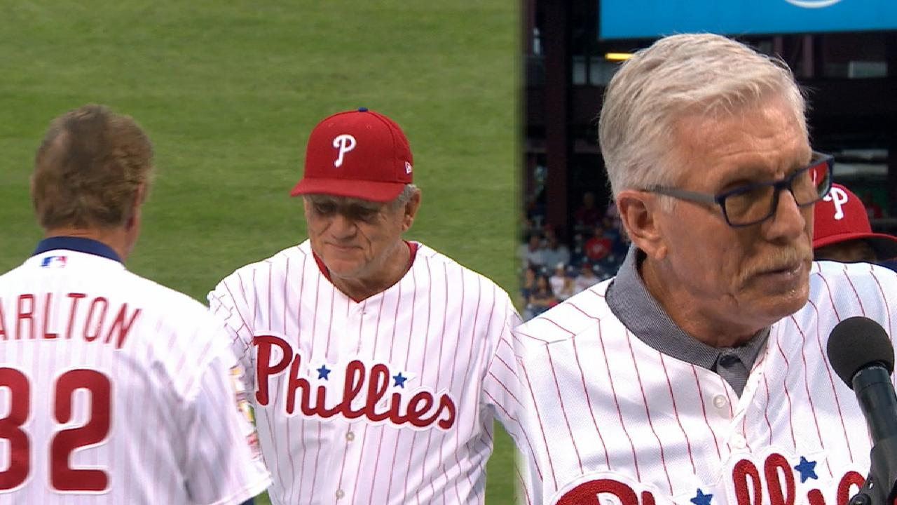 Phillies honor Wall of Famers