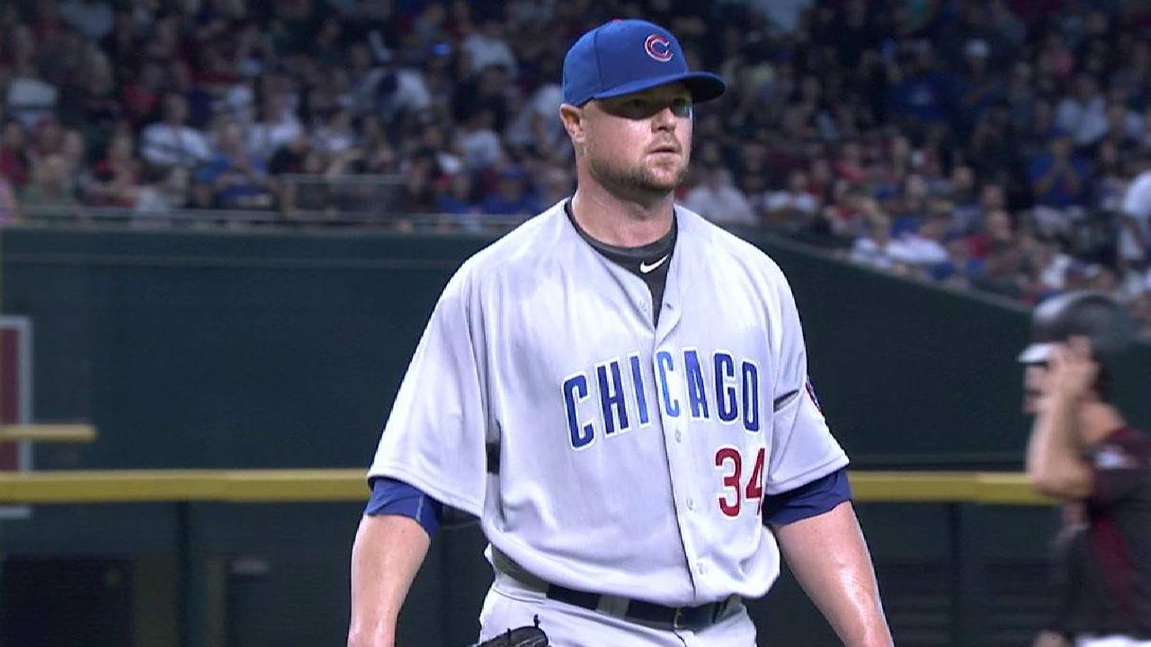 Lester fades in 6th as D-backs hold off Cubs