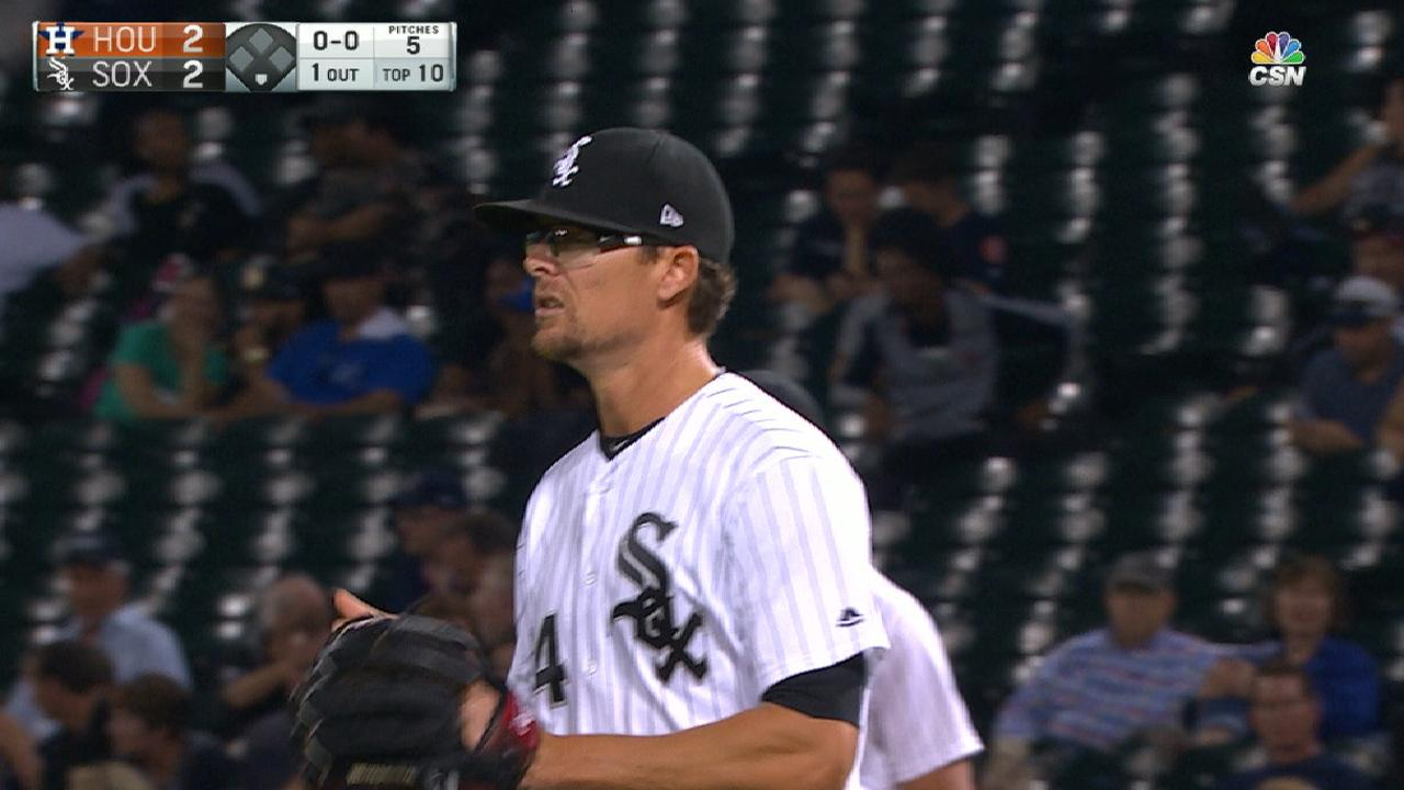 Astros acquire Clippard from White Sox