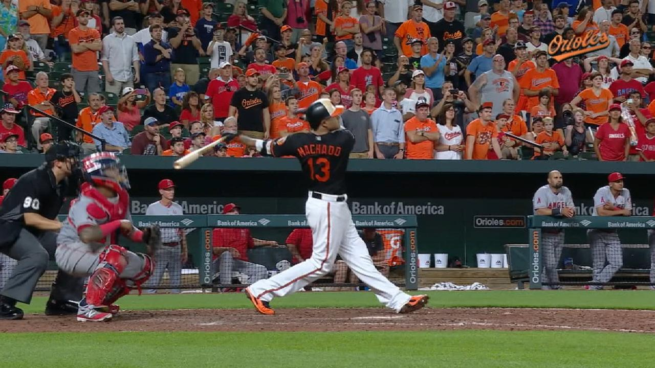 Extended Cut: Machado's walk-off