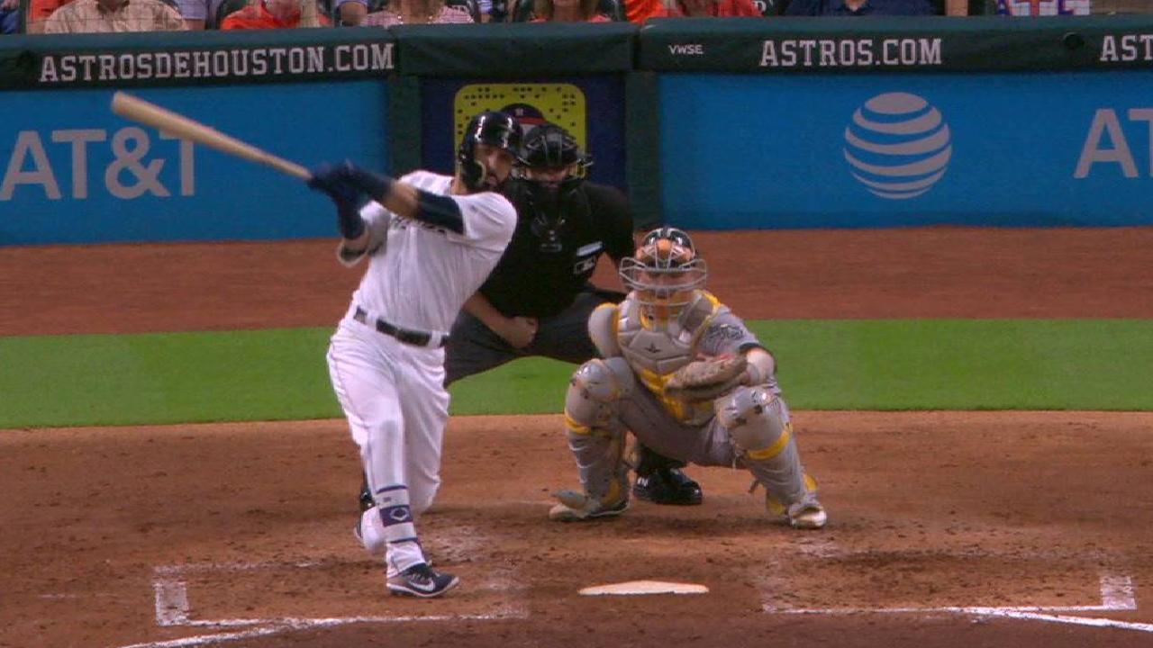 González conectó batazo clave en la victoria de los Astros