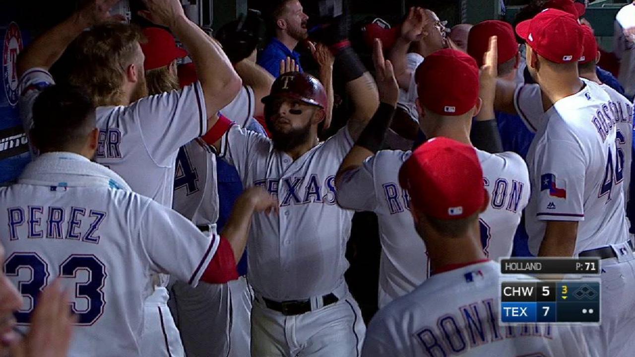 Odor dispara par de cuadrangulares y Rangers aplastan a White Sox