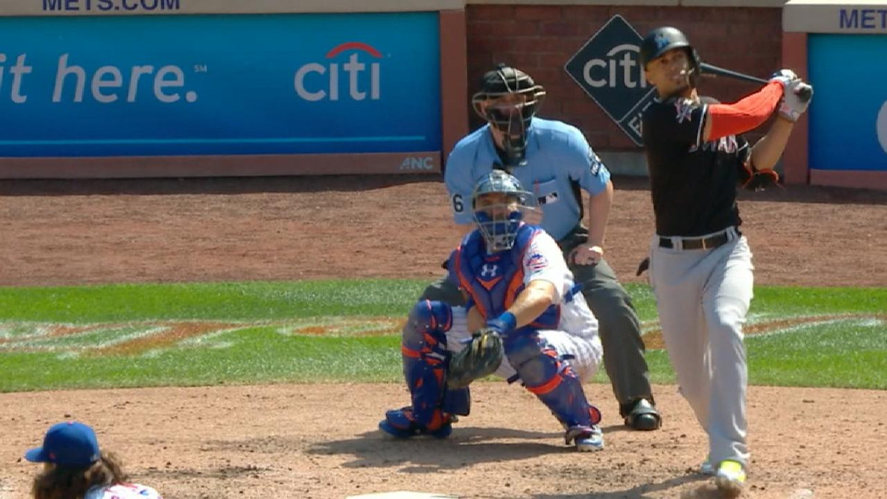 HR 45 de Stanton impulsa a Marlins sobre Mets