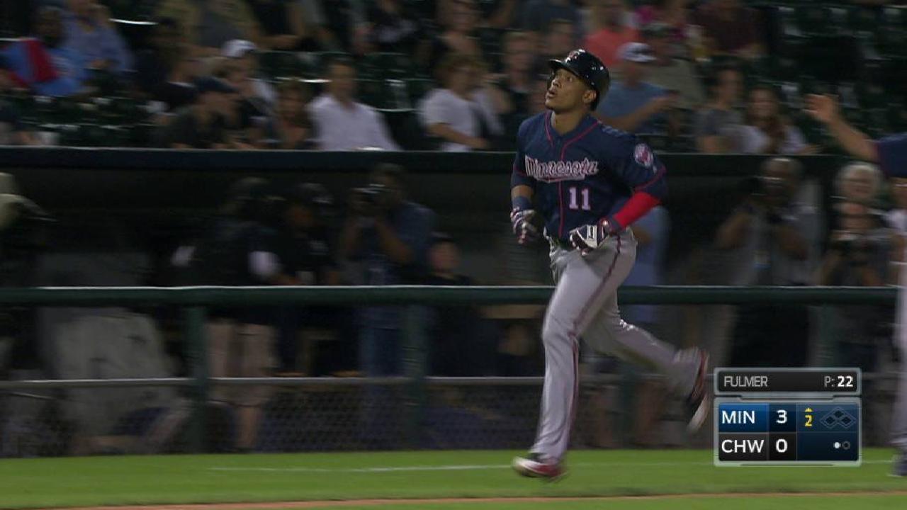 Mellizos ganan el 2do a punta de HR y dividen honores con White Sox