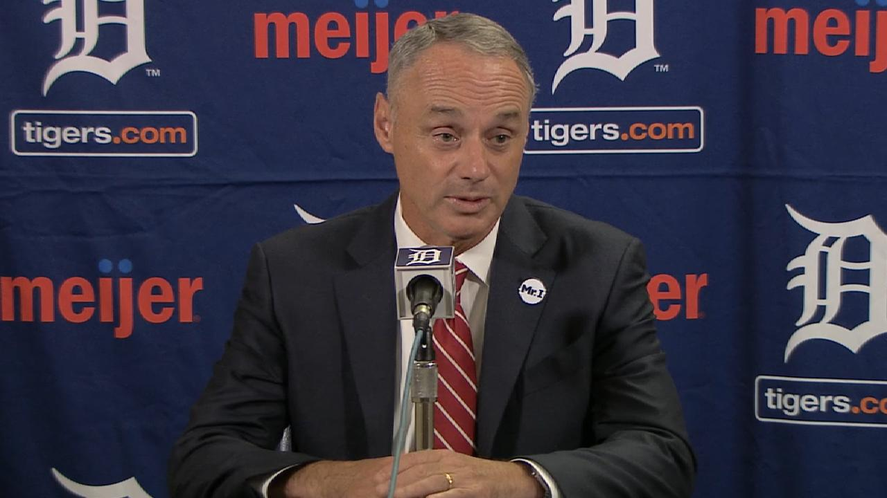 Manfred: Umpire protest violated CBA