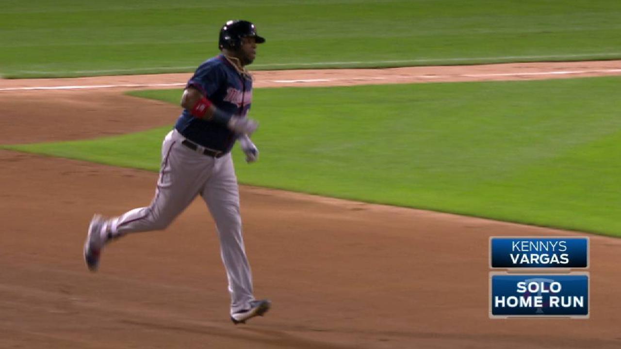 Mellizos doblegaron a White Sox a domicilio con tres jonrones