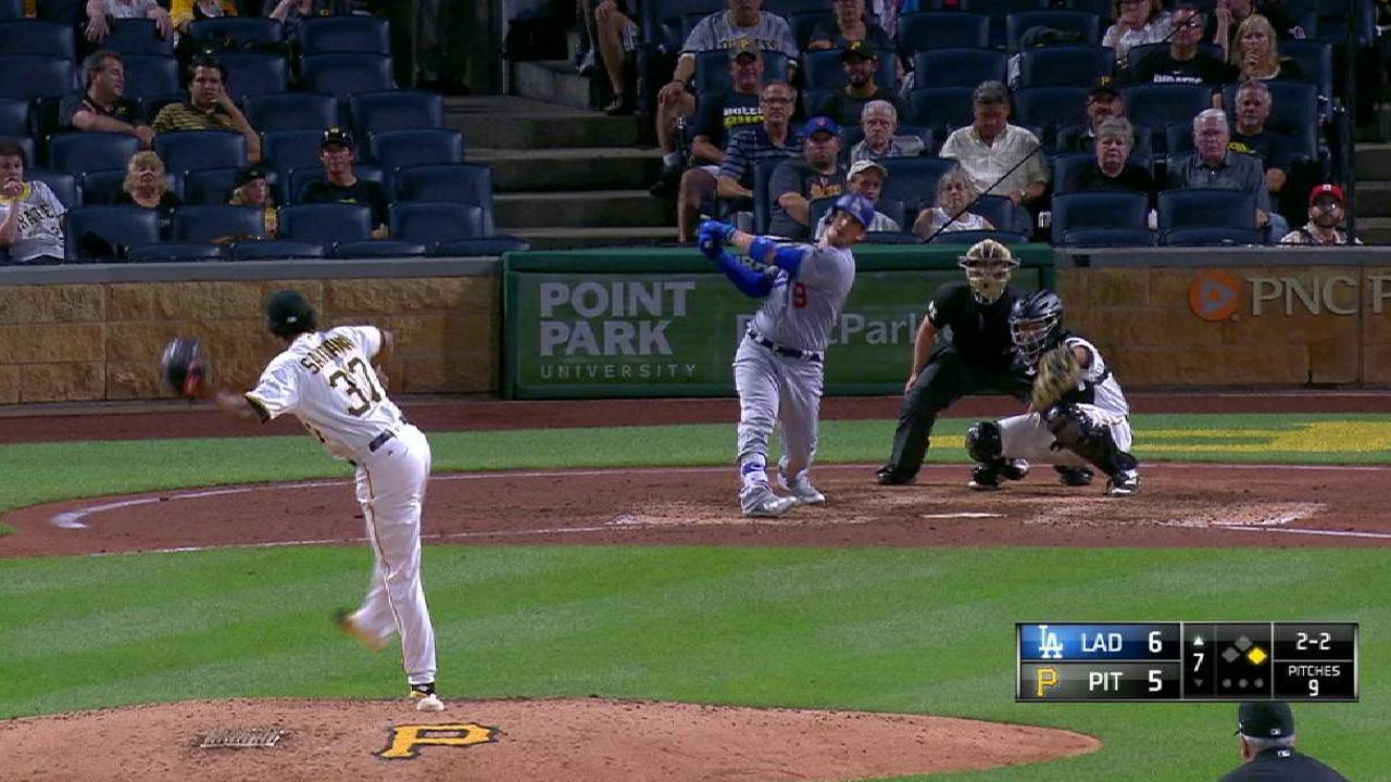 Grandal's two-run homer