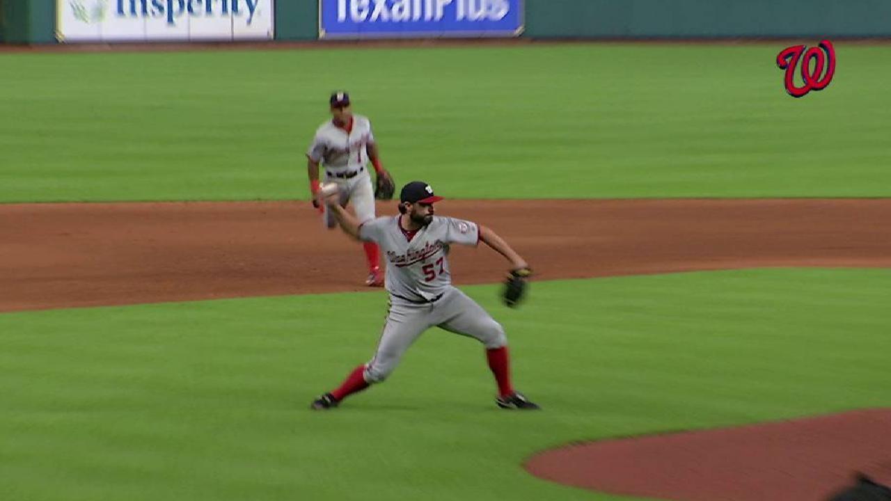 Nats edge Astros behind Roark, Wieters