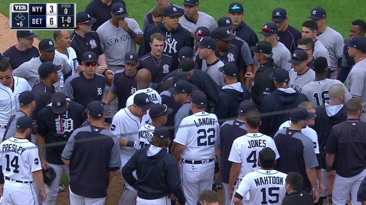 Se arman fuertes trifulcas entre los Yankees y los Tigres en el Comerica
