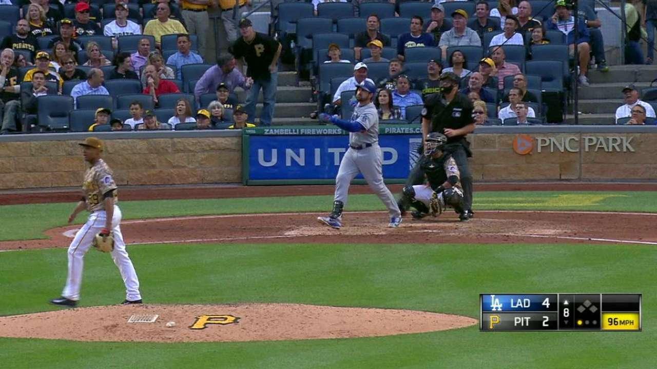 Dodgers llegan a 90 triunfos al vencer a los Piratas