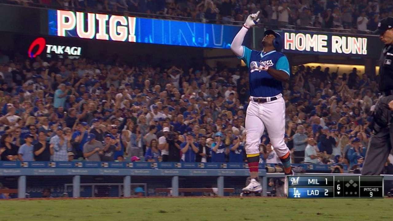 Puig, Grandal conducen a Dodgers contra Cerveceros