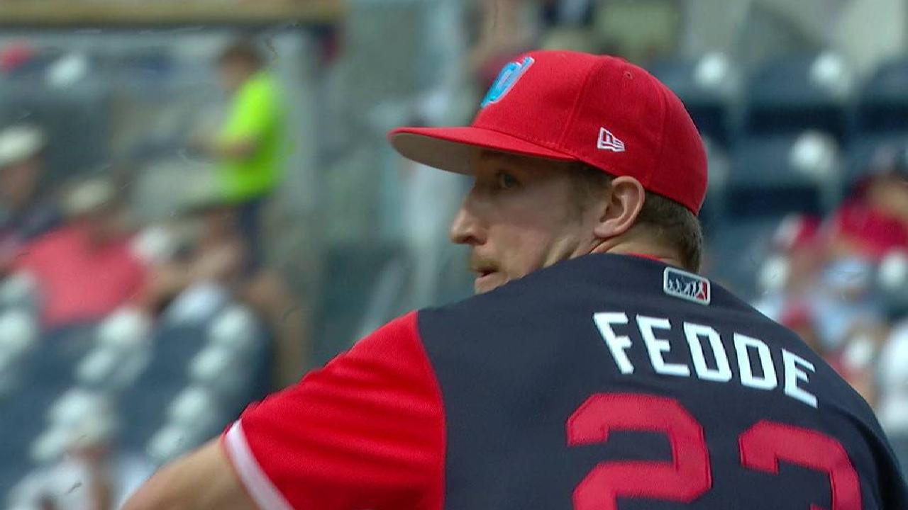 Fedde escapes a bases-loaded jam