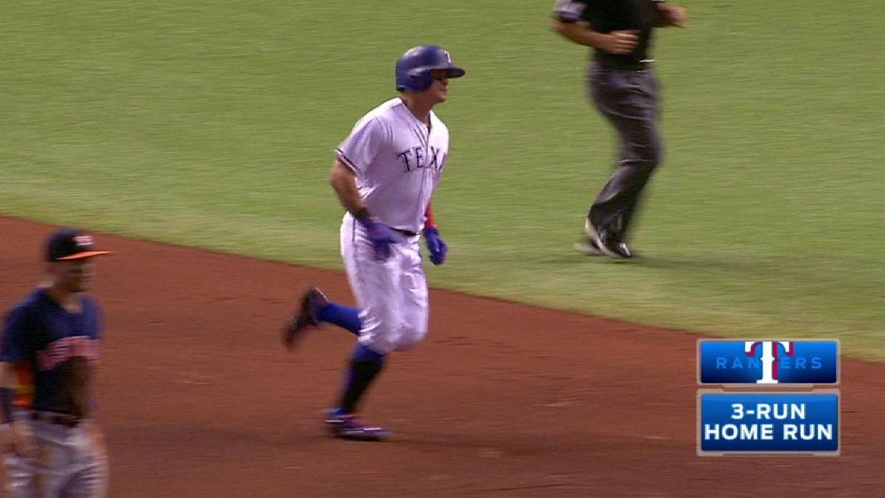 Rangers roll, laud Astros and fans for support