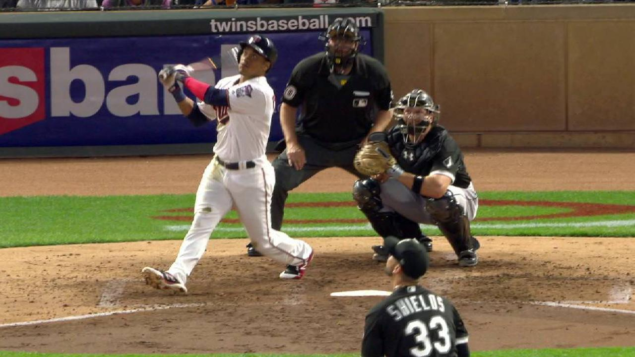Polanco (2 HRs), Santana lead Twins past Sox