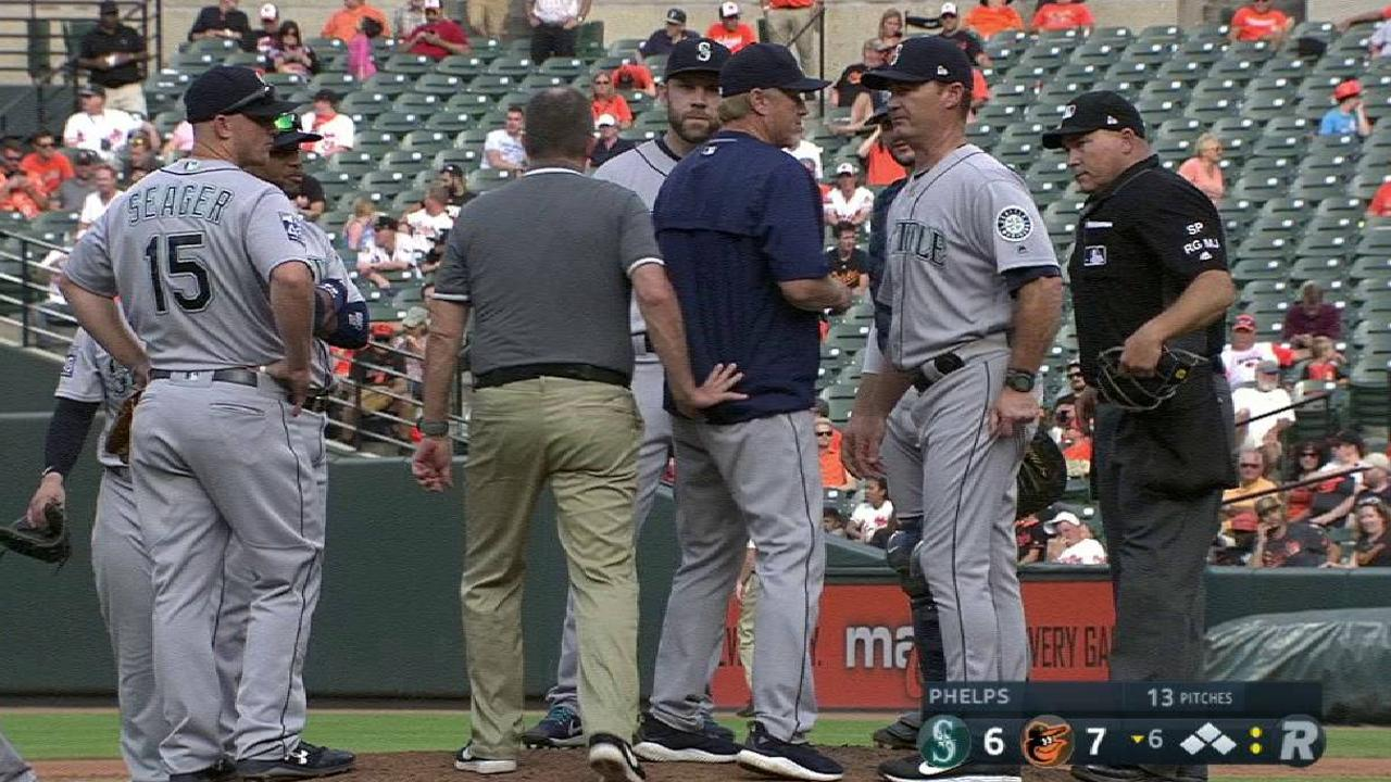 Phelps leaves game in the 6th