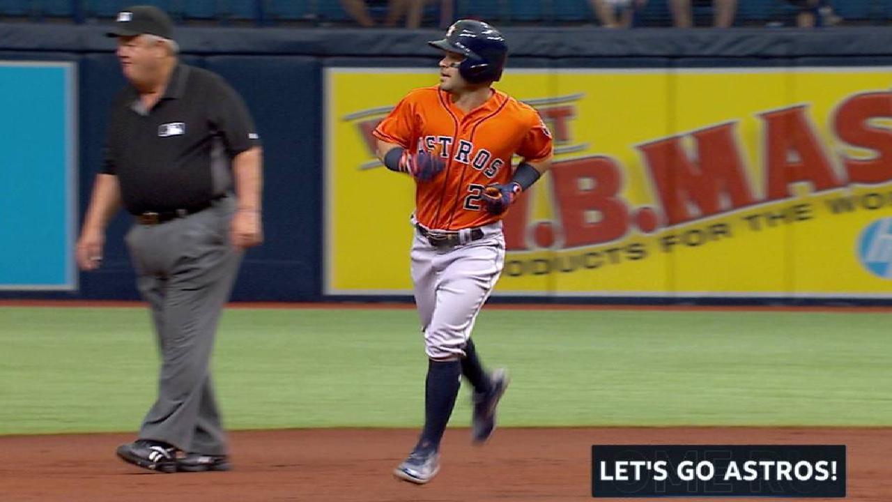 HR de Altuve ayuda a Astros a evitar barrida frente a Rangers