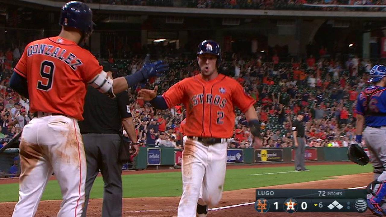 Astros end poignant day with twin-bill sweep