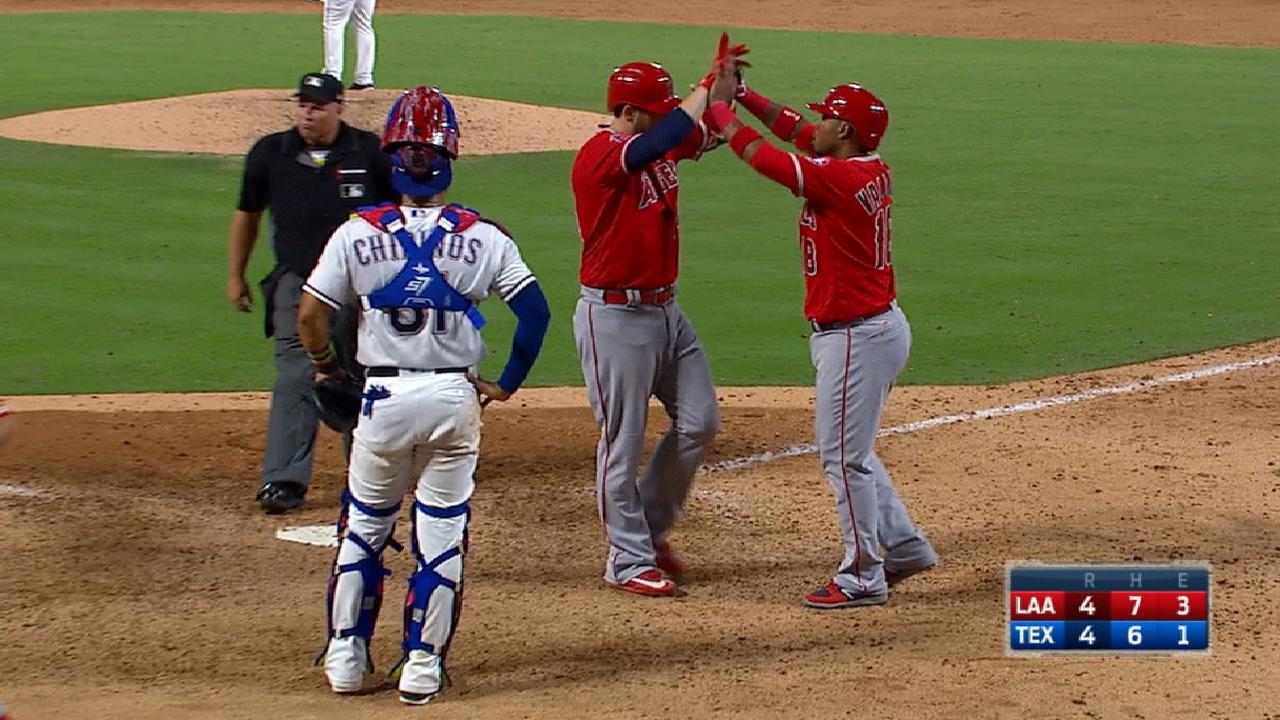 Cron's game-tying two-run homer