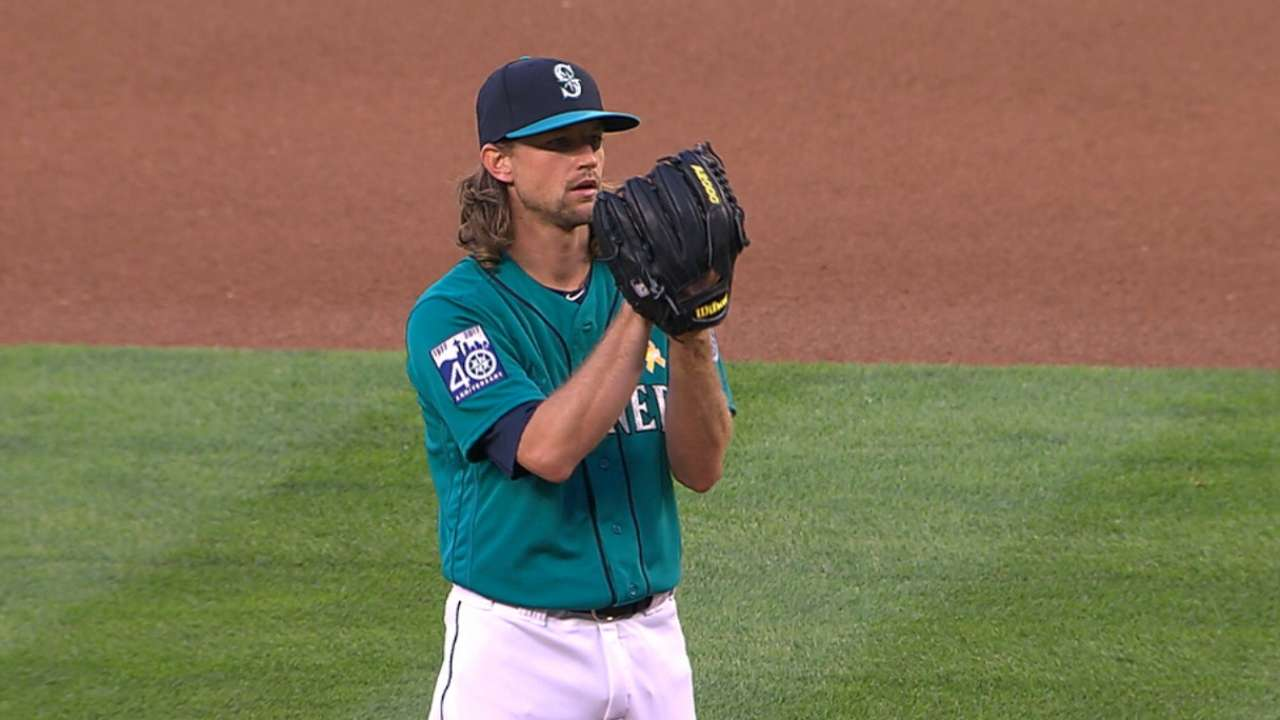 Leake plays stopper with seven strong frames