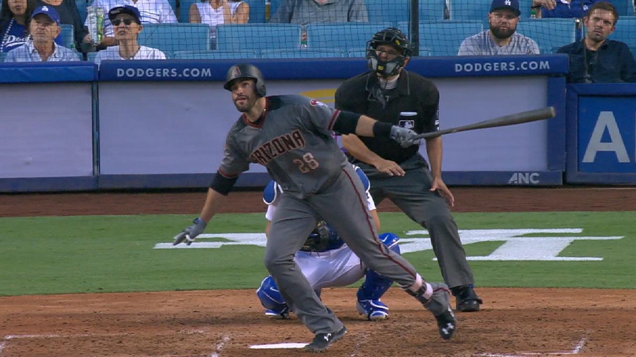 Martínez pega 4 HRs vs. Dodgers y D-backs hilan su 11ma victoria