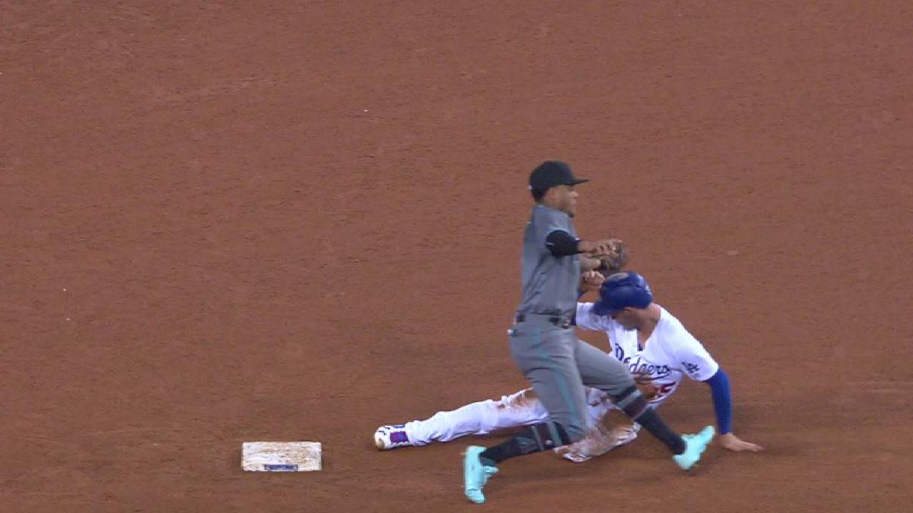 D-backs win challenge in 7th
