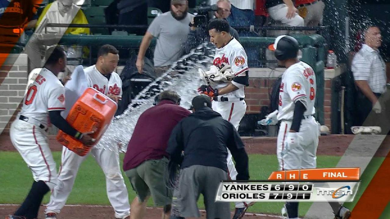 O's walk-off hero offers Manny happy returns
