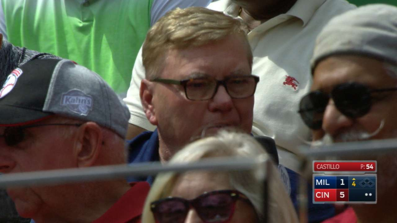 Walker's father recalls memories of Clemente