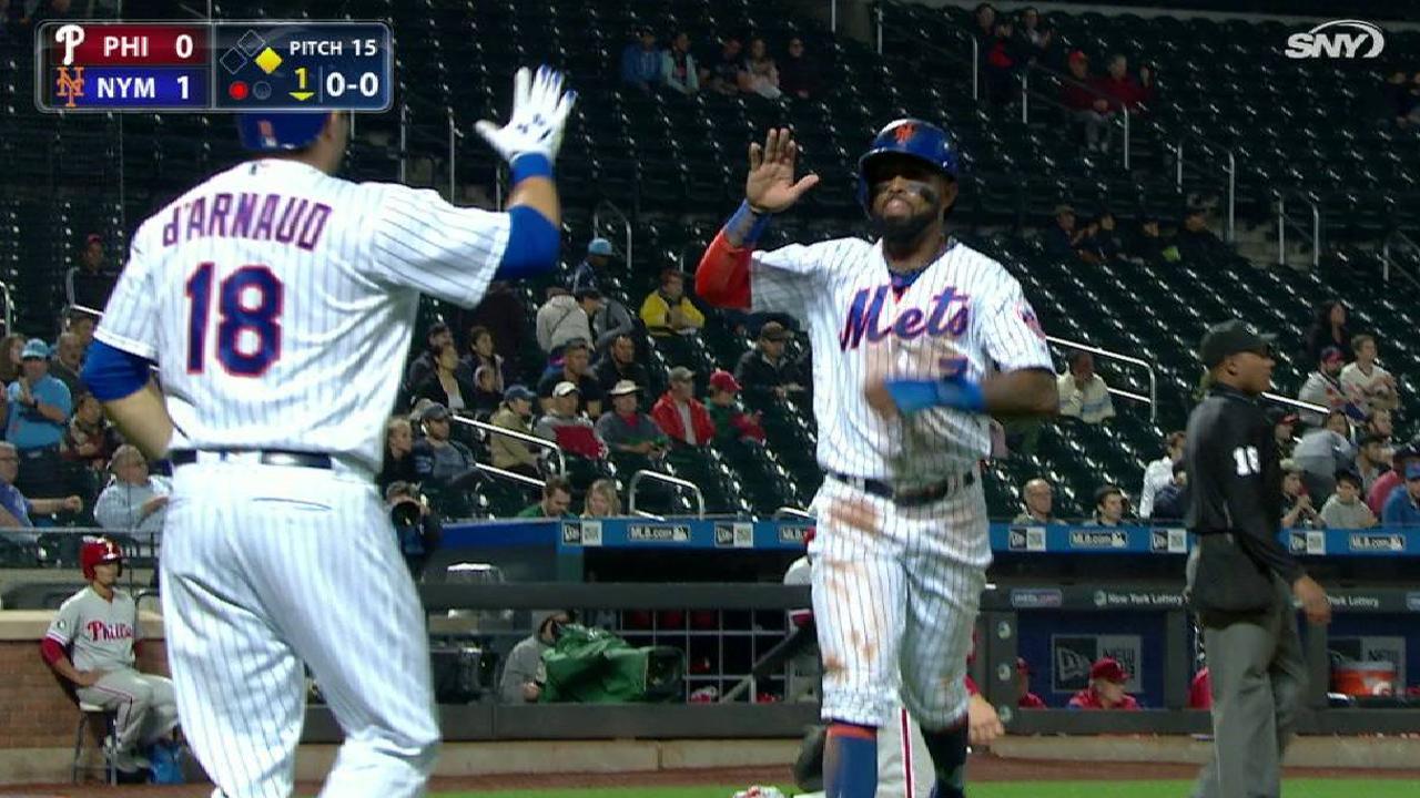 Asdrúbal, Mets ganan juego recortado por lluvia ante Filis