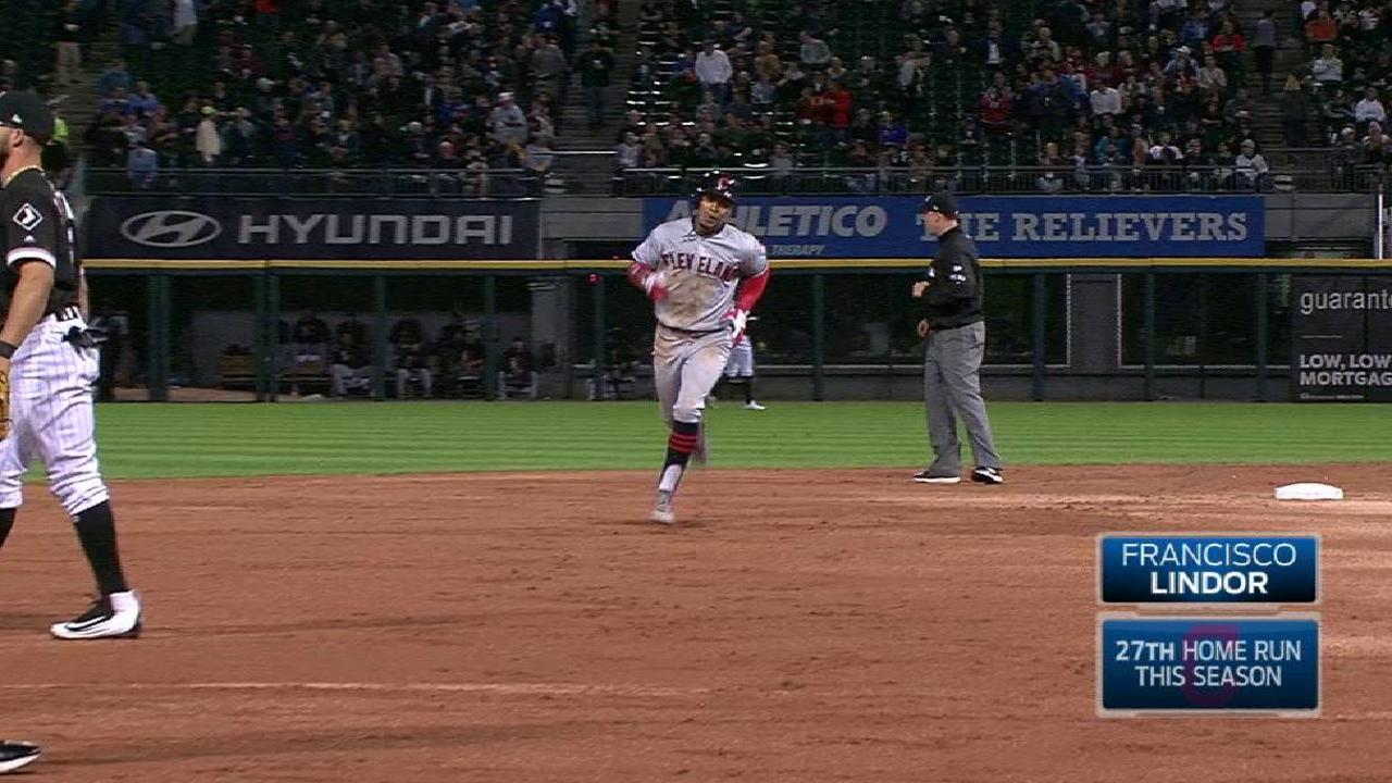 Lindor's solo shot to right