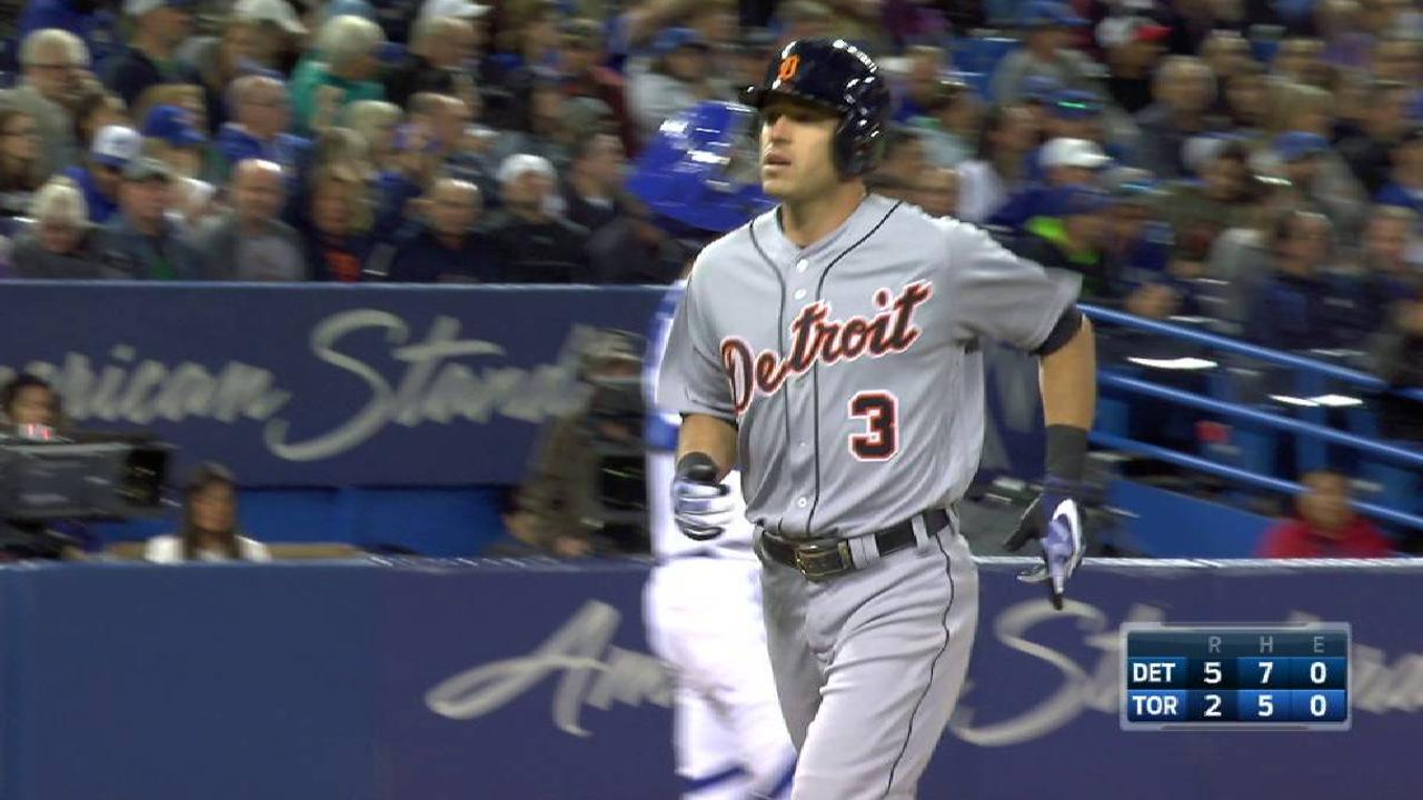 Tigers ride HRs, triple play to win in Toronto