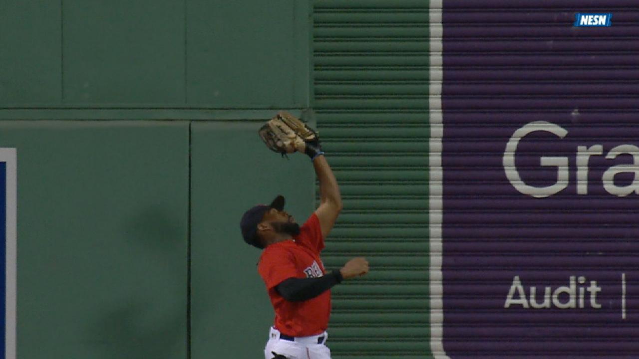 Bradley Jr.'s superb catch