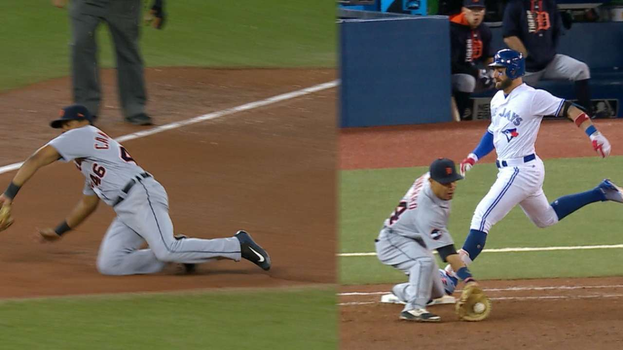 Tigers turn franchise's 1st triple play since '01