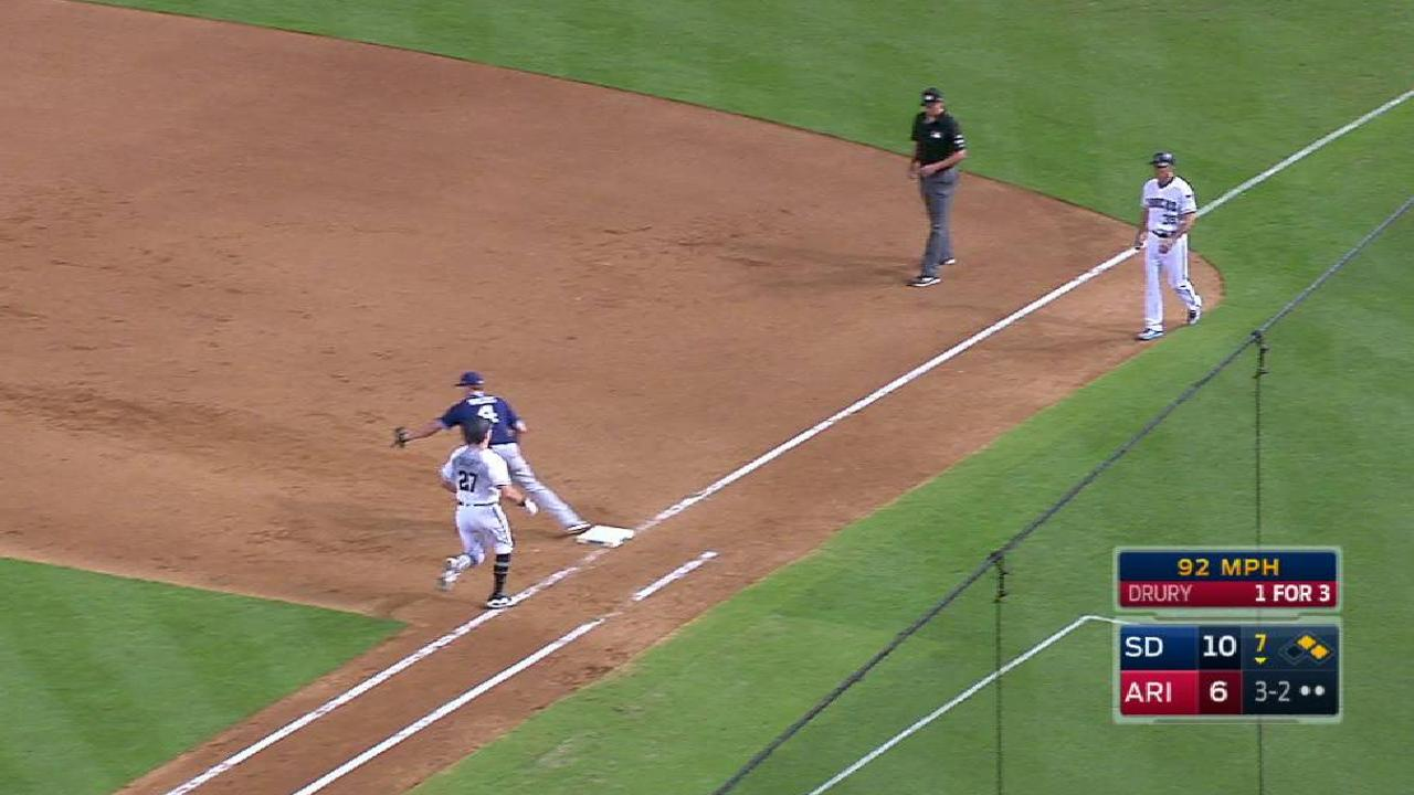 Capps escapes trouble in the 7th