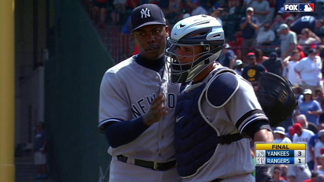 Chapman capitalizes on 9th-inning opportunity