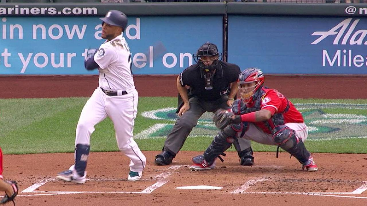 Heaney fans Cano in the 2nd