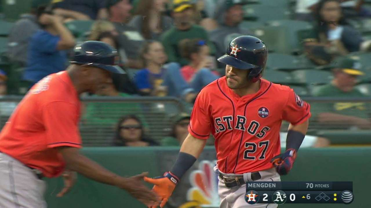 Astros can't hold off A's late, drop twin bill