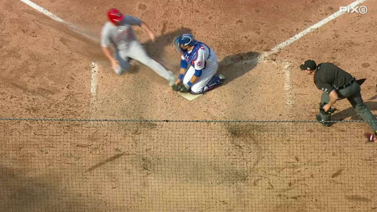Barnhart leads Reds' late burst past Mets