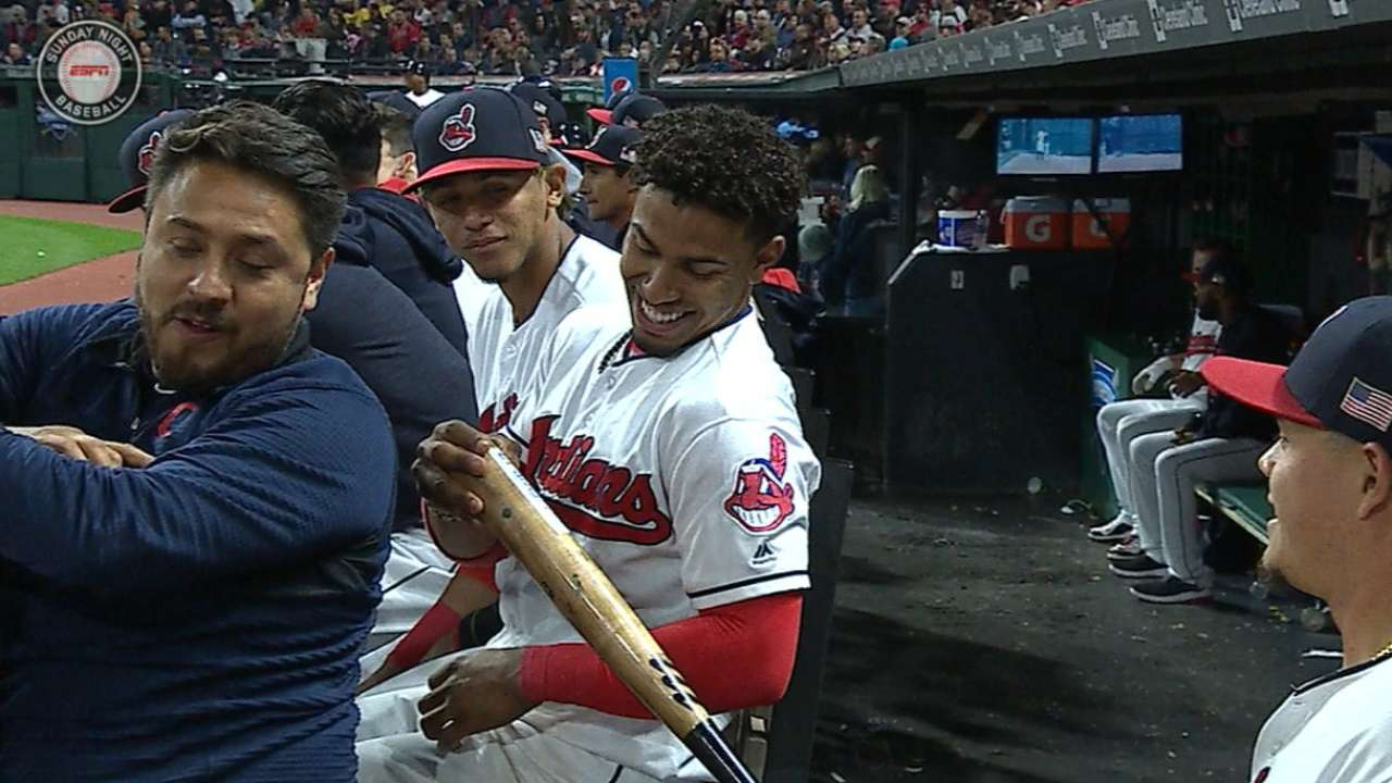 Lindor turns tide with HR -- and Almonte's bat