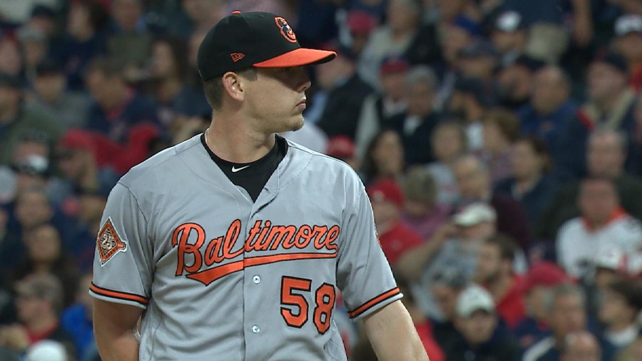 Hellickson's season likely over with sore back