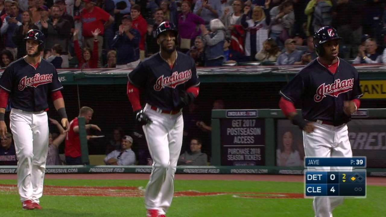 Lindor's bases-clearing triple