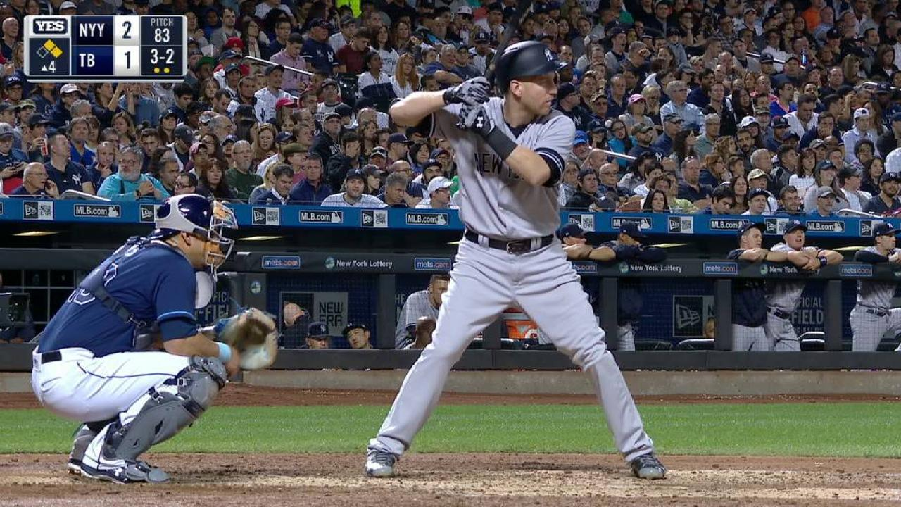Con ataque en la 4ta, Yankees vencen y acortan distancia en el Este
