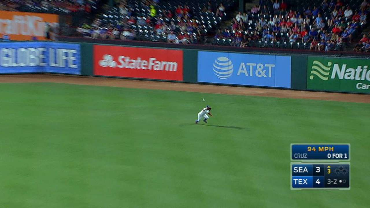 Choo's nice diving catch
